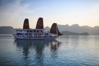HA LONG BAY 2 DAYS - 1 NIGHT SLEEP ON THE 4 STAR BOAT