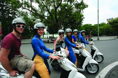 Unique Sightseeing and food Tour in Ha Noi  By Scooter