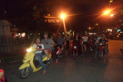 Ha Noi Nightlife food tour by Scooter